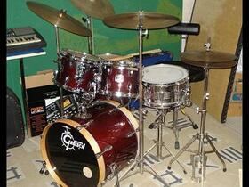 Mein Gretsch Set mit der Rogers Snare